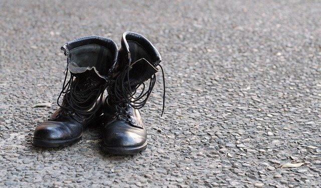 Жительница Башкирии 7 лет не получала денег за гибель сына-военного