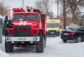 В Омске при пожаре в пятиэтажке пострадал 56-летний мужчина