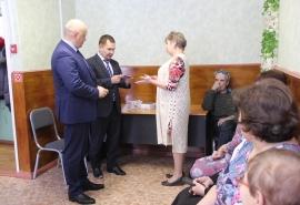 Представители Фонда развития Омской области имени Манякина встретились с населением Исилькульского района