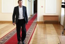 Омский департамент образования решил защитить бизнес-интересы депутата Провозина?