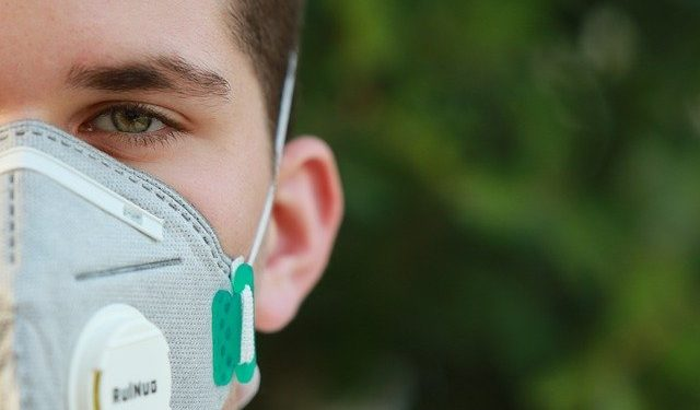 Число заражённых коронавирусом в США превысило 100 тысяч