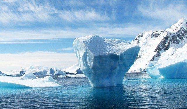 Над Арктикой появилась озоновая дыра рекордных размеров