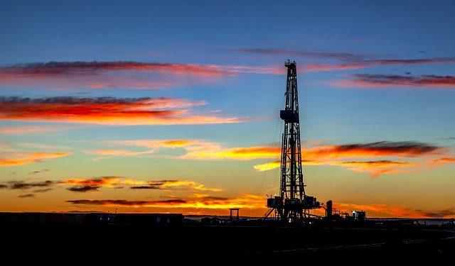 Трамп просил Эр-Рияд не снижать цены на нефть до опасного уровня