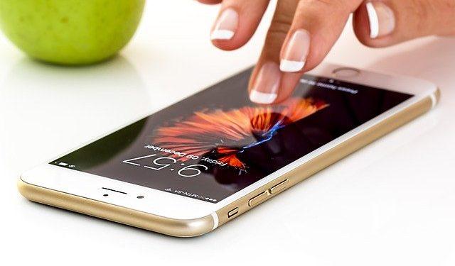 Apple отложила производство флагманских моделей iPhone