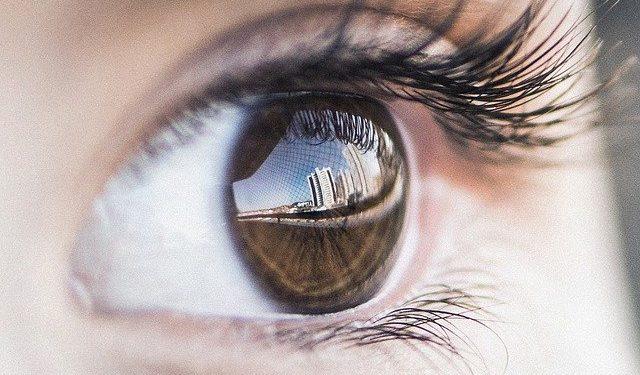Врач-офтальмолог рассказала о влиянии коронавируса на зрение