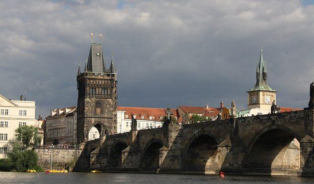 Чехия планирует открыть границы в июле