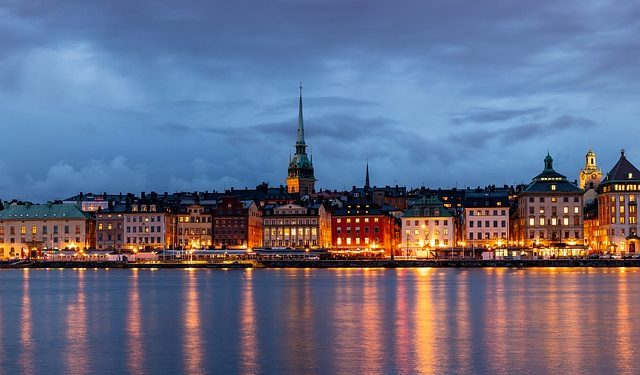 Шведский вирусолог усомнился в эффективности отказа от карантина