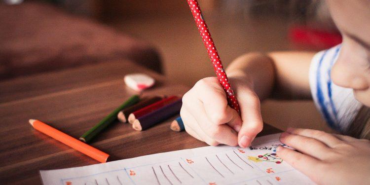 Радий Хабиров заявил, что открывать детские сады пока нельзя