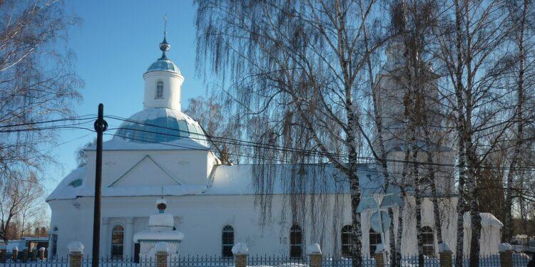 Радий Хабиров объяснил, почему не пустил свою супругу в храм