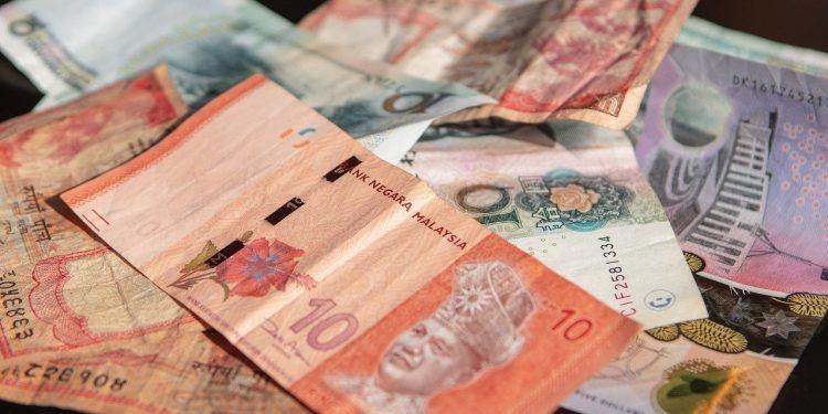 Китаю рекомендовали окончательно избавиться от долларовой зависимости