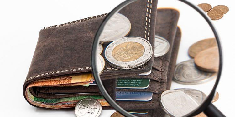 Экономист рассказал, в какой валюте лучше хранить деньги