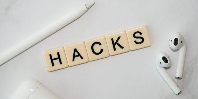 Хакеры проникли в Twitter с помощью учетных данных сотрудников