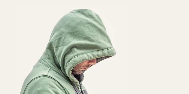 Психиатр посоветовал мужчинам плакать для снятия стресса
