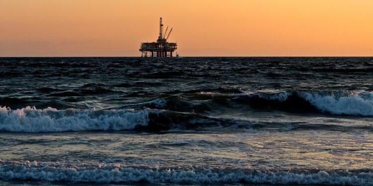Ученые обнаружили неисчерпаемый источник воды и нефти