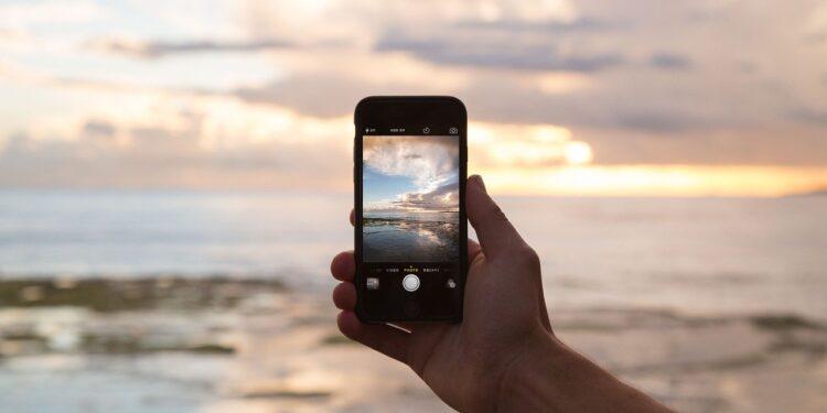 Unihertz представила 3-дюймовый мини-смартфон на Android 10