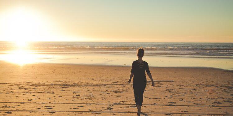 Почему нужно уделять ходьбе 2-3 часа в день, сообщили академики