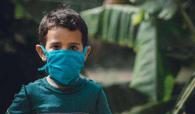 Дети не уступили взрослым в эффективности передачи коронавируса