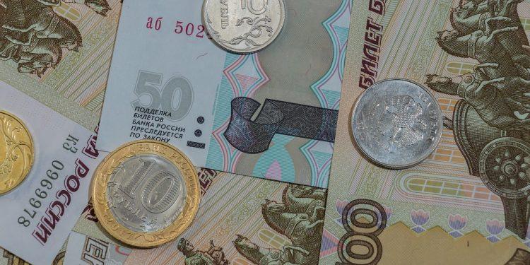 В Совфеде гарантировали выплату пособий на детей в России