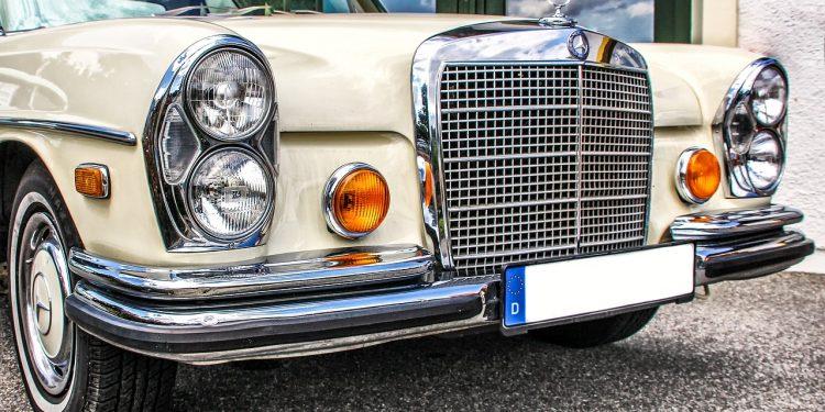 Mercedes-Benz в России отзывает более 1 тысячи автомобилей в России