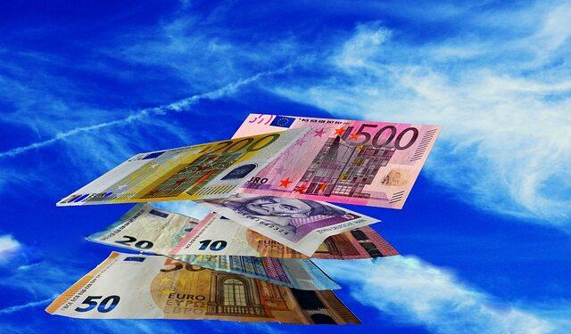 В ПФР высказались о продлении выплаты в 10 тыс. руб. на август