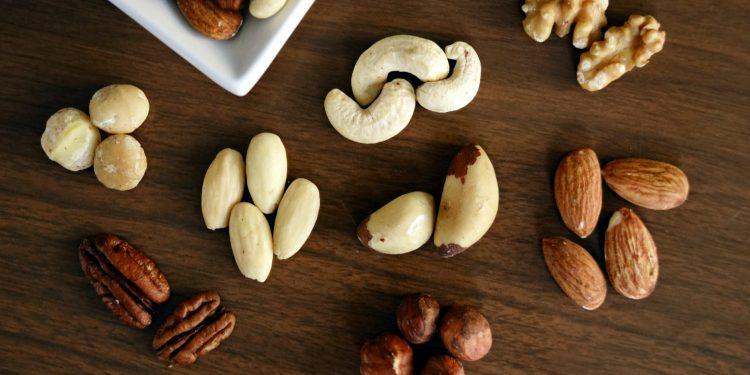 Диетологи назвали продукты, которые нужно есть на ночь для похудения
