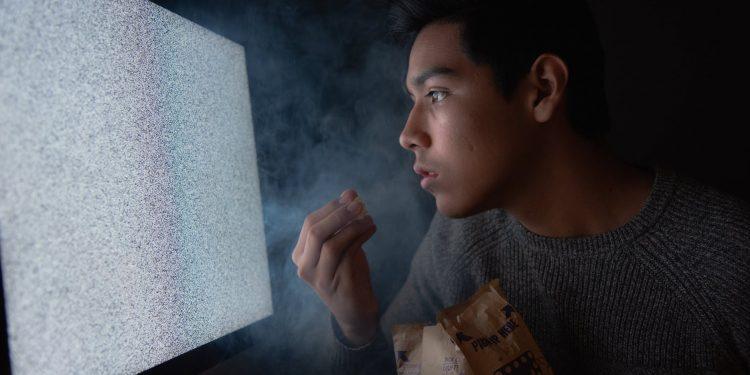 Xiaomi выпустила прозрачный 55-дюймовый телевизор за 7200 долларов