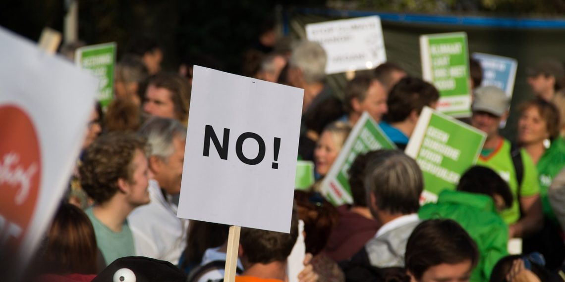 В Башкирии рабочие содовой компании провели акцию в защиту предприятия