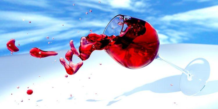 Выявлен облегчающий течение коронавируса алкогольный напиток