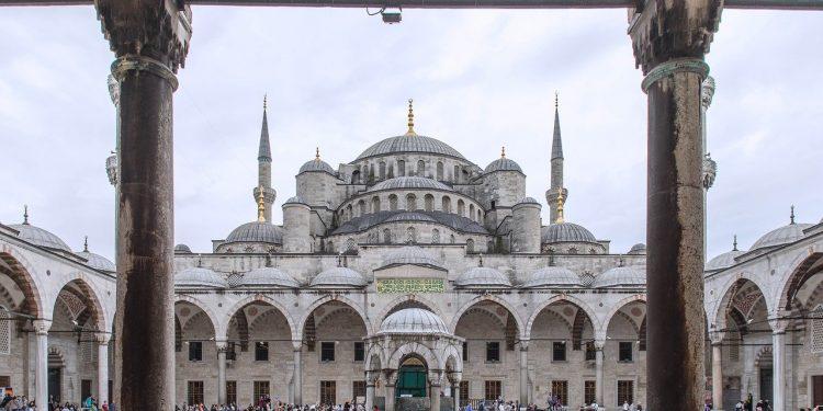 В Турции объявили о втором пике пандемии коронавируса