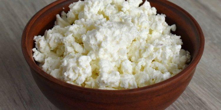 Диетолог Алексей Ковальков заявил о вреде ужина из творога
