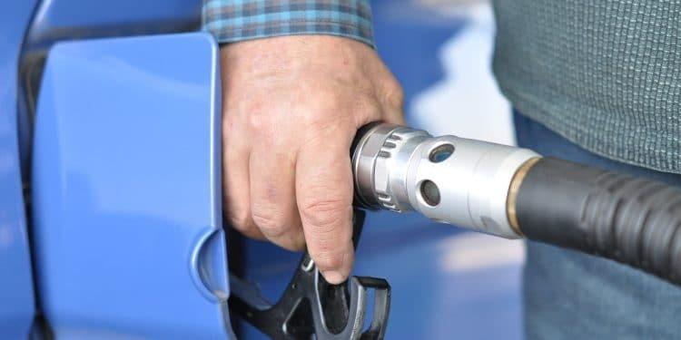 НАФИ: более половины водителей пытаются снизить расходы на топливо