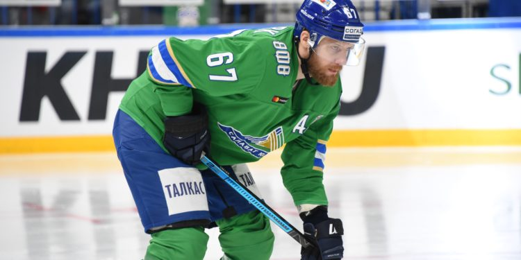 В Башкирии разрешили проводить матчи РПЛ и КХЛ со зрителями