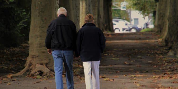 Пенсионерам, у которых доход менее 31 тысячи рублей, дадут новую льготу