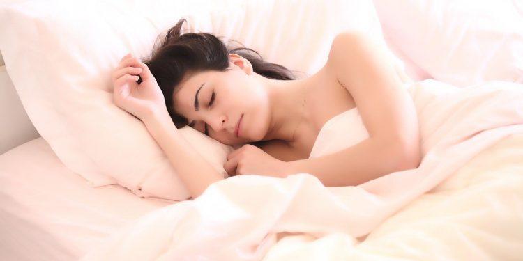 После коронавируса люди могут испытывать долгосрочные нарушения сна