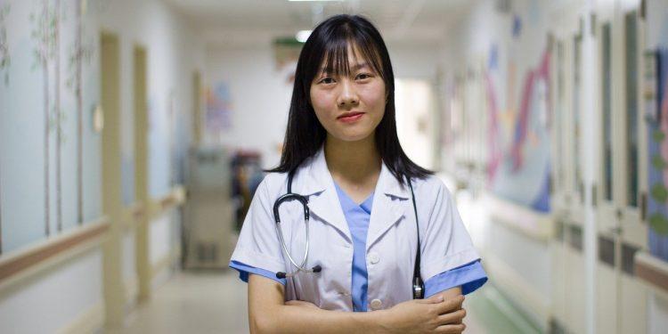 В Японии предложили тестировать выдыхаемый воздух на наличие инфекции