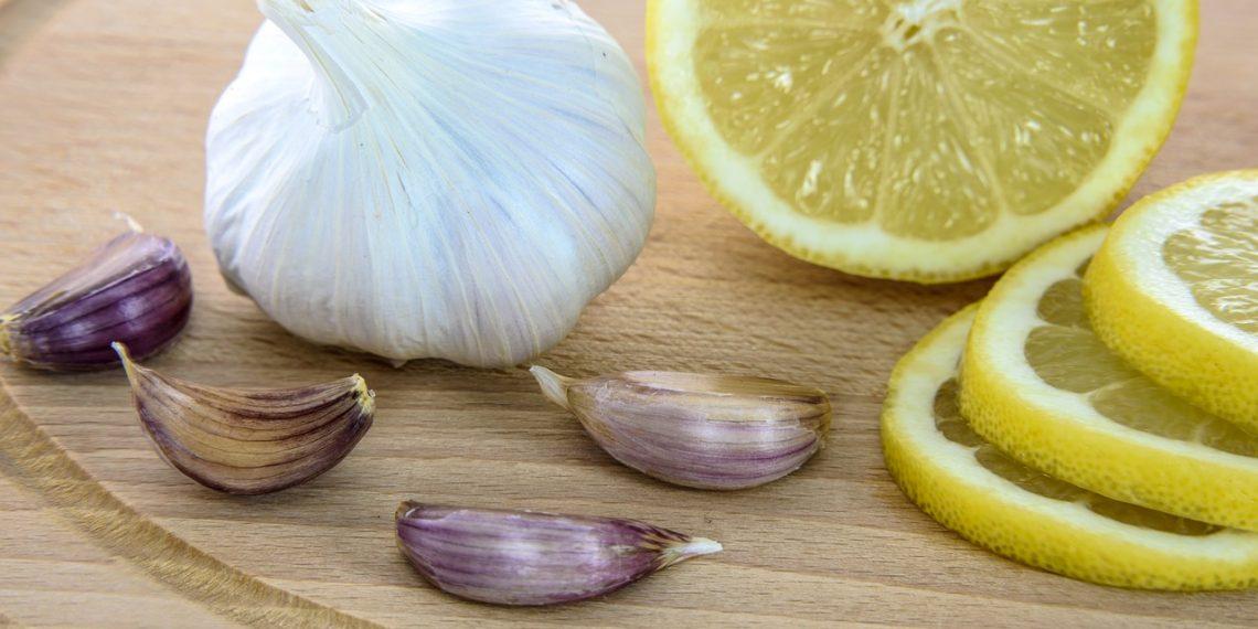 Гастроэнтеролог подтвердил, что чеснок опасен при борьбе с коронавирусом