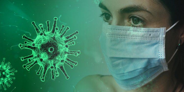 Вирусолог Лукашев объяснил, что нужно делать при выявлении коронавируса