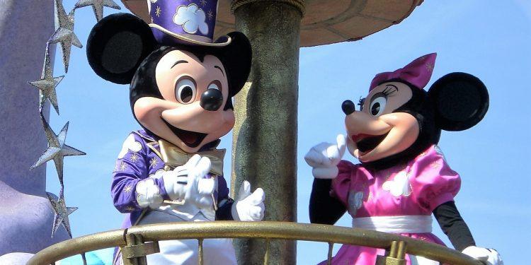 Disney будет предупреждать о расизме в мультфильмах юных зрителей