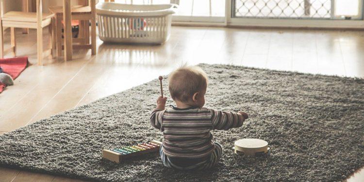 СФ одобрил закон о продлении начисления выплат на детей до 1 марта 2021 года
