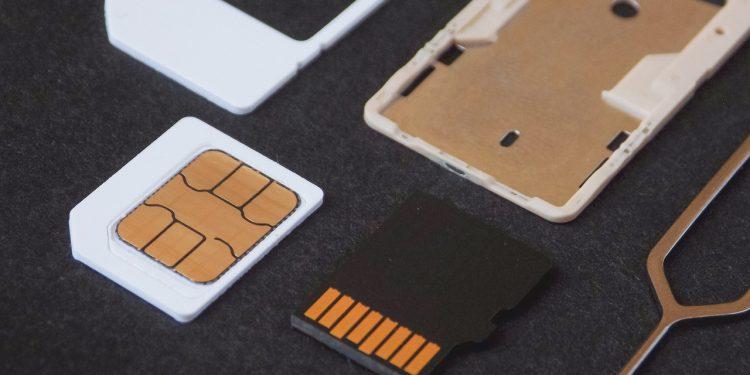 Эксперт Щельцин назвал верные признаки необходимости срочной замены sim-карты