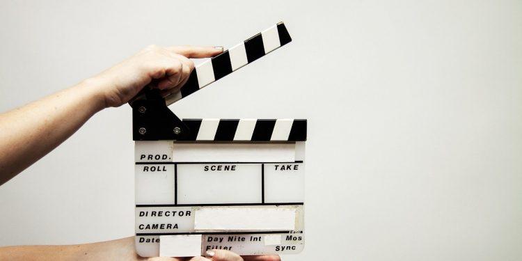 Фильм о Джеймсе Бонде могли продать Apple и Netflix за 600 млн долларов