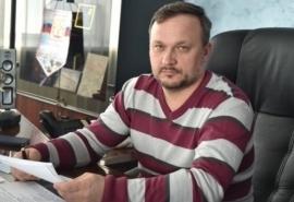 Перед Новым годом глава Омского района Геннадий Долматов исполнил мечту ребенка