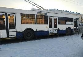 Тарифы на проезд в общественном транспорте в Омске подняли до 65 рублей