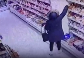 Омичка придумала преступный бизнес-план с главным новогодним лакомством
