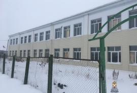 В Омской области злоумышленник оставил школьников без парт