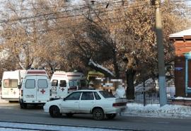 В центре Омска заметили скопище машин скорой помощи