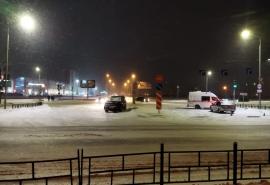На Левобережье Омска расхлестались «Ленд Крузер» и машина скорой помощи