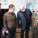 Депутат омского Заксобрания Степан Бонковский поздравил ветерана с новогодними праздниками