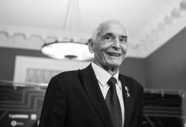 Скончался Василий Лановой