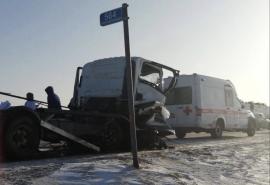 Оглашены подробности смертельного ДТП с разорванным «Мерседесом» на трассе Омск – Тюмень